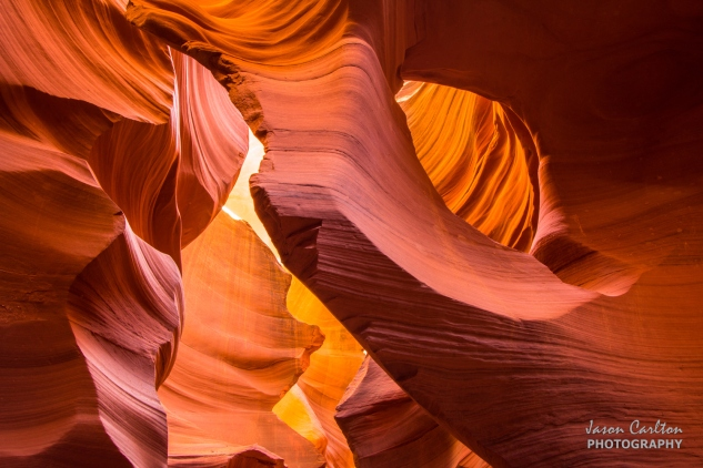 Photograph lower antelope canyon hole in the wall