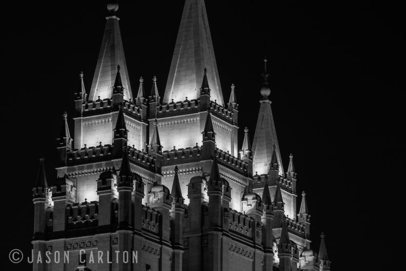 Photo spires Mormon LDS Salt Lake Temple night