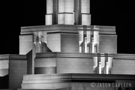 photo building black and white Draper Utah Temple